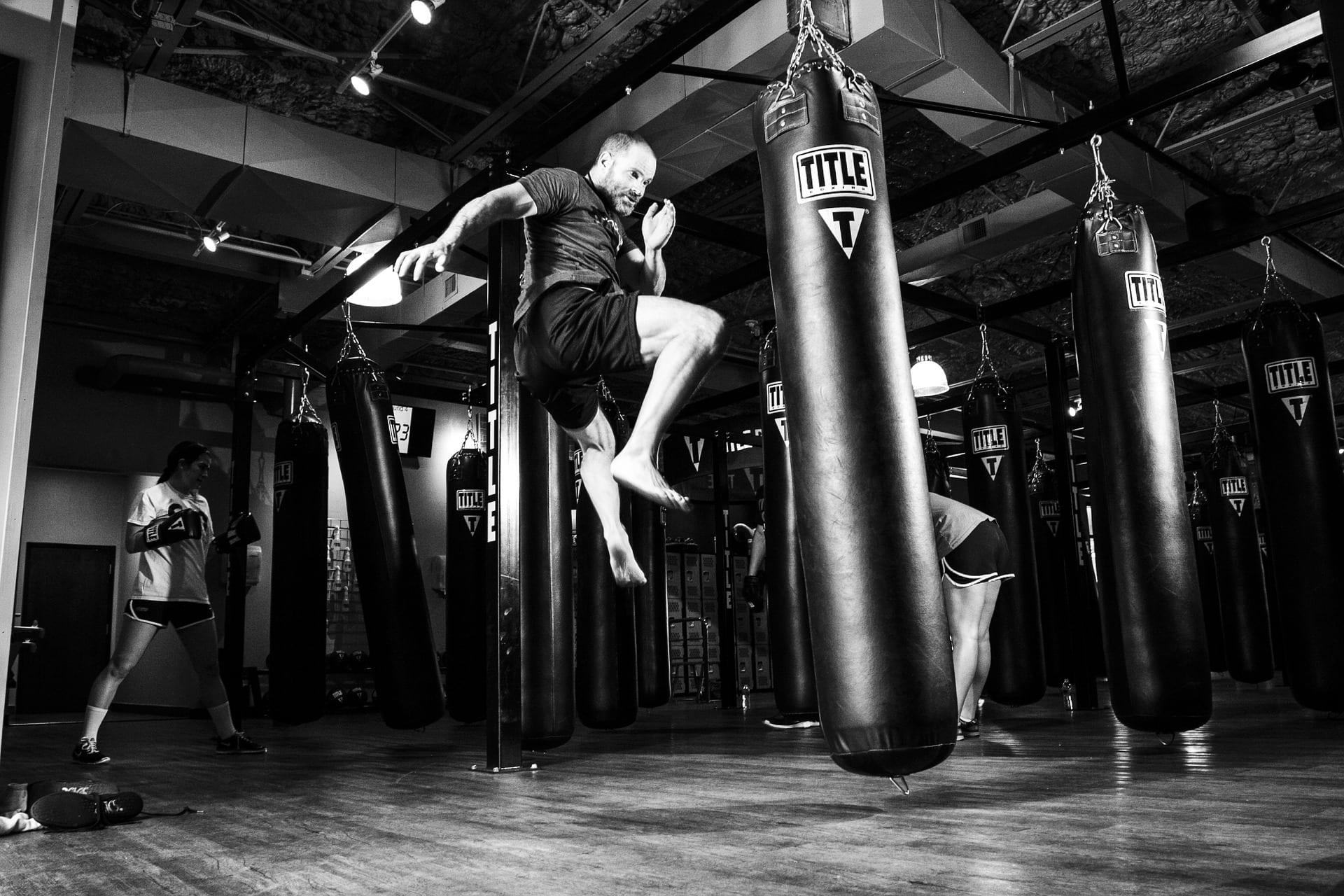 boxeur, sac de boxe, sac de frappe, explosivité, technique de boxe